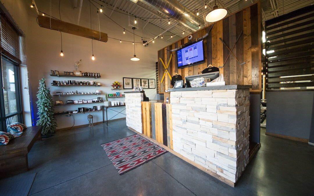 Find a Men's Salon in Tulsa | Receive Haircuts!