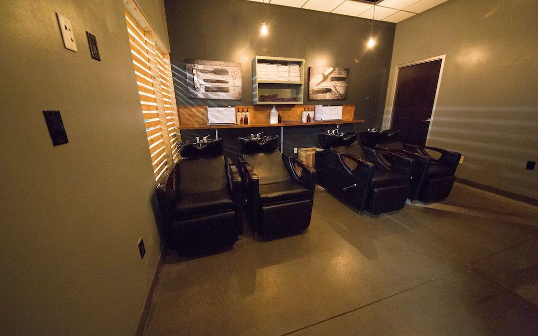 Find Tulsa Man Salon | How You Will Experience the Difference at Elephant in the Room?